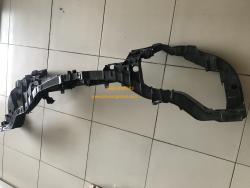 Khung xương két nước + đèn pha Focus 2015-2017